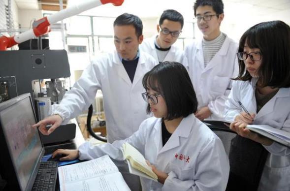 归国学者发现新型催化剂,可耐受10000次充放电循环