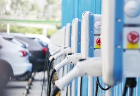 """威马汽车重回上游之路道阻且长,新能源汽车市场""""两头挤压"""""""