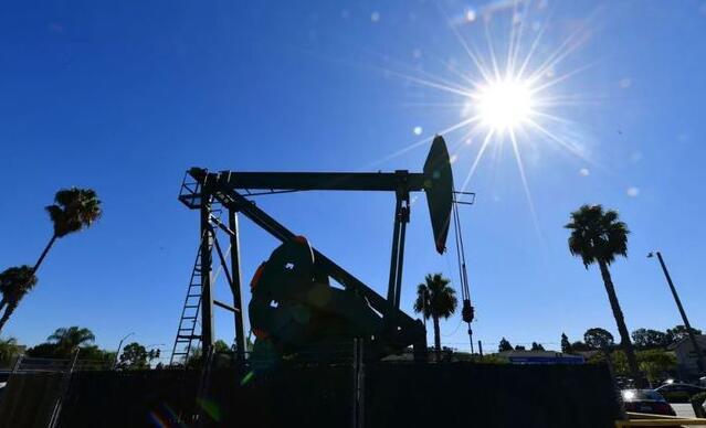 油价受寒流影响,已飙升至一年内新高