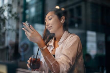 """真无线耳机""""大航海时代""""到来,真无线耳机成为增长最快的消费电子产品"""