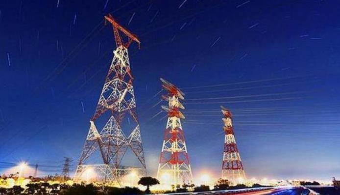 李克强:允许所有制造业企业参与电力市场化交易、继续推动降低一般工商业电价