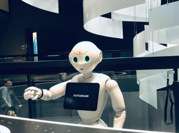 人工智能暂时还抢不走你的饭碗,但已经Pass掉了你的简历