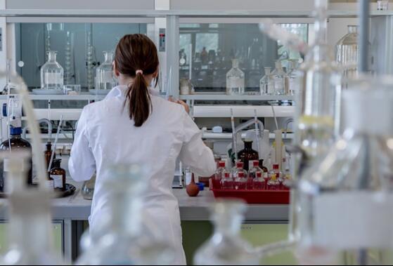 清华刘静教授团队研究出液态金属外骨骼,可代替传统石膏