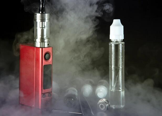 """青少年正在身体里建电子烟""""化工厂"""",电子烟的健康陷阱该怎么破"""