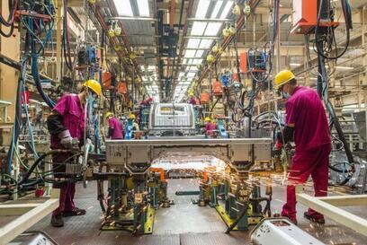 人民日报评:锻长板,补短板,经济新方位,做强制造业
