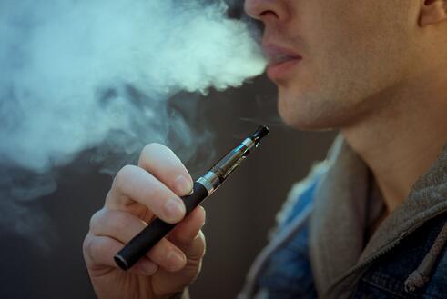 电子烟创业淘汰倒计时,电子烟寻找救命稻草