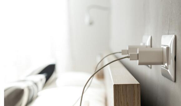 苹果华为不送充电头后,快充工厂们毛利率超过手机厂商