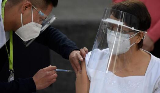 美国的新冠疫苗多到打不完,疫苗的后续旅程该怎么走