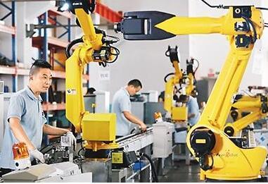 全球工业机器人应用规模的世界第一,只能拿3成组装利润,中国工业机器人逆袭之路该怎么走