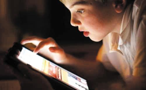 幼儿连续用电子产品不宜超过15分钟,如何让孩子摆脱电子产品?