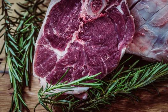 2020年中国进口牛肉211.83万吨,2021年牛羊肉价格继续保持高位运行