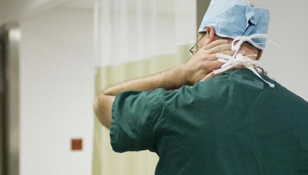 一位三甲医院医生晋升后自曝:收受回扣50万以上,几乎全员参与回扣的行为