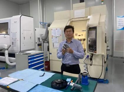 """高端工业机器人国产化!北京工业大学教师攻克了工业机器人的""""卡脖子""""技术难题"""
