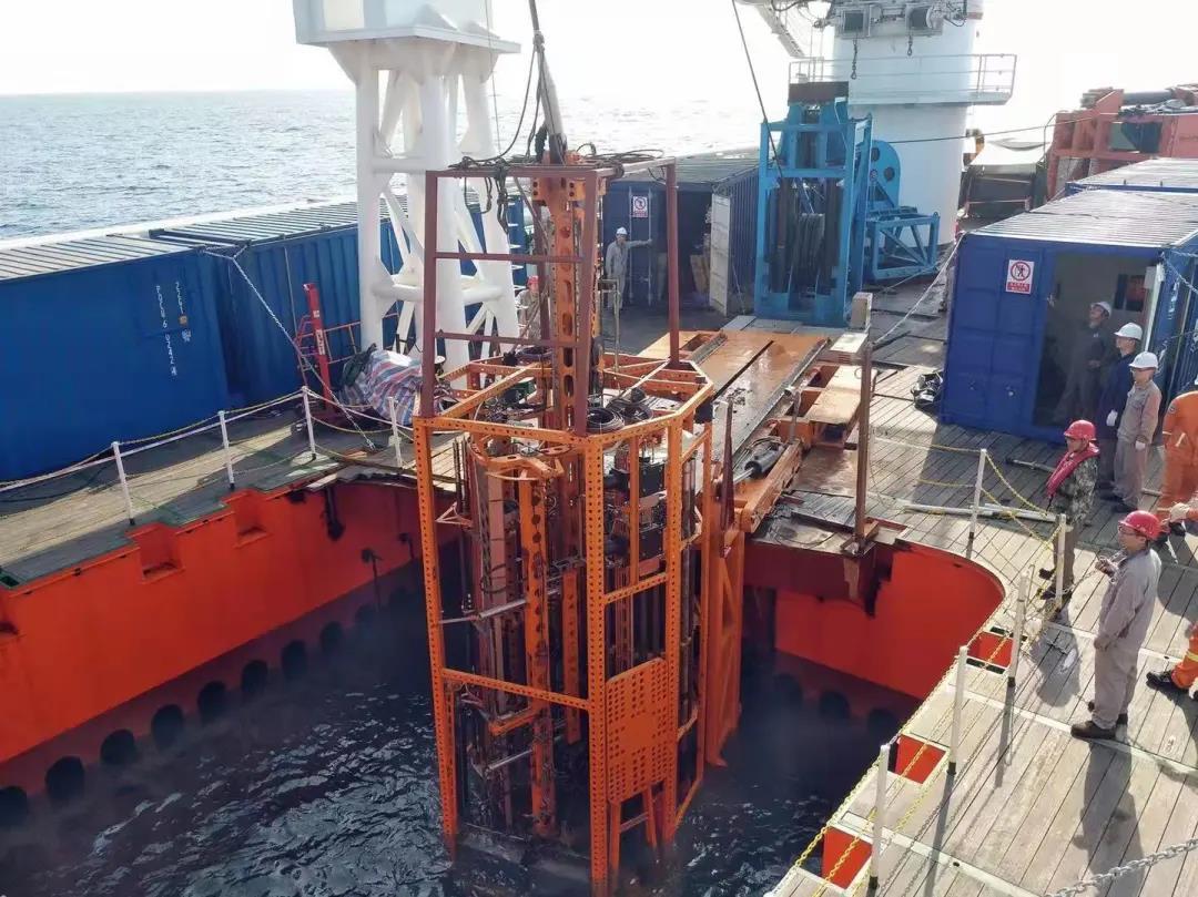 海牛Ⅱ号:基于水合物保压取芯原理研发出具有保压取芯功能的深海海底钻机装备
