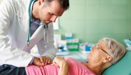 胃镜检查痛苦吗?做无痛胃镜好还是常规的好?
