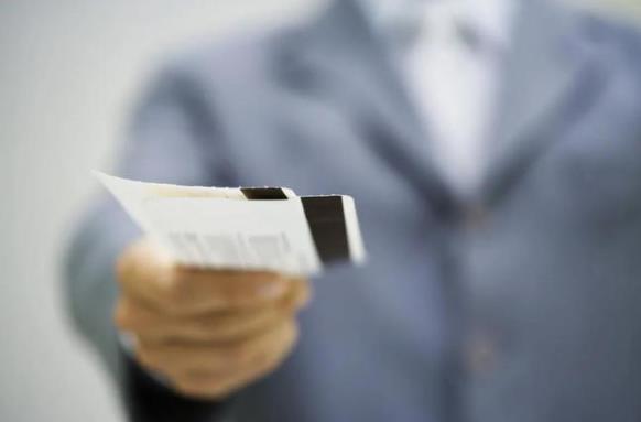 66元的机票盲盒遭疯抢,上线秒光,到底谁占了便宜?