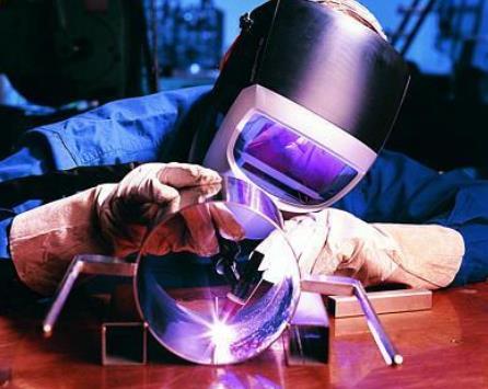 作为焊工必须知道的知识,氩弧焊对人体伤害最深的是高频电和臭氧
