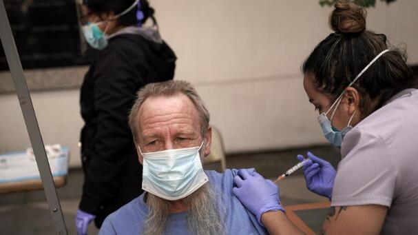 解读美国疫情:疫苗真实世界的安全性和有效性如何? 华裔科学家在美国疫苗研发中有何关键性贡献?
