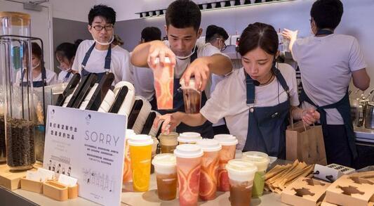 """喜茶、奈雪也无法避免""""星巴克""""的焦虑,新式茶饮店该如何延长自己的生命周期"""