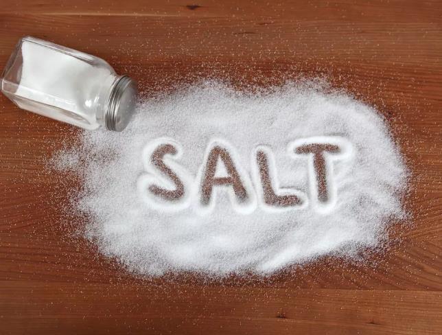 """""""轻盐""""为什么没像""""减糖""""抓住消费者?少吃盐为健康也为颜值"""