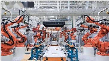 """汽车产业""""拥抱变化""""也要保持定力,抓住电动化与智能化机遇,从中寻找到更好的发展之路"""