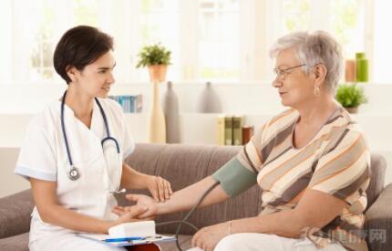 高血压的形成原因及影响因素,高血压会引发哪些疾病?应该注意什么