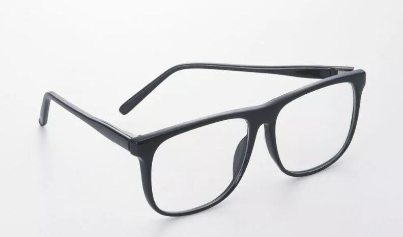 我国近视率世界首位达33%,我国眼镜市场分析