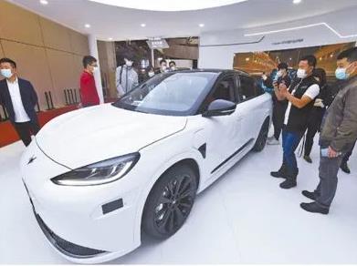 用户接受,技术成熟,智能电动汽车迎来爆发性增长