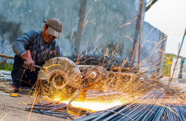 对于近期钢铁市场行情的几点思考