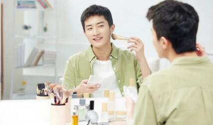 中国男色经济简史,男士化妆品市场成为一个主流的商品赛道