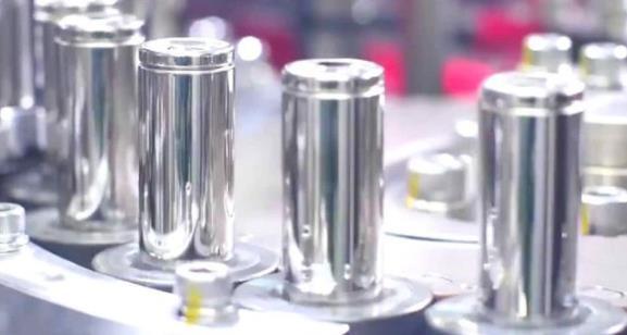 LG 2020年为特斯拉供应了 8 亿颗 21700 锂电池,今年将达到 10亿