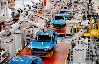 """广汽埃安始终以""""三个转变""""为纲领,开启了中国新能源车智造新时代"""