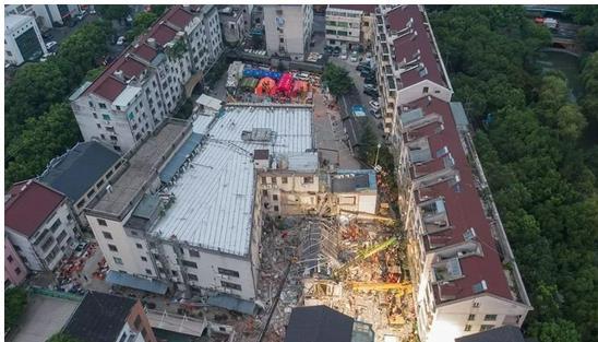 苏州坍塌酒店墙体3年前已现裂缝,酒店坍塌原因是私自改造房屋结构