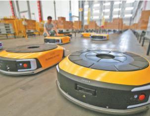 智能搬运机器人现身物流无人仓,多个环节逐步实现智能化