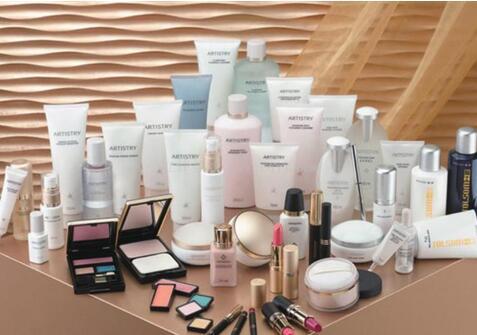 """化妆品行业期待""""破茧成蝶"""",化妆品备案数量出现断崖式下跌,阵痛期来袭"""