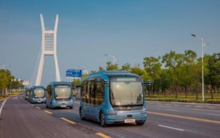 """宇通自动驾驶巴士的""""小目标"""":未来大街上,清扫车、运货卡车和载人客车中必有宇通"""