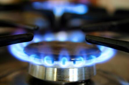 2021年全球天然气市场供需现状与竞争格局分析