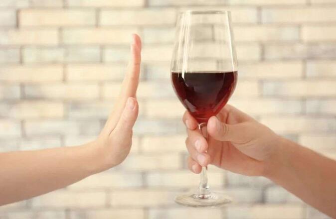 解读中国特色酒桌文化,是如何影响职场关系的