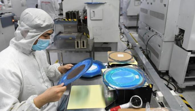为何新厂越多、芯片越缺?芯片行业的规律定论
