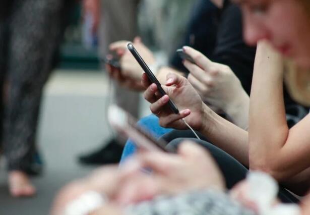 智能手机市场持续内卷,国产手机厂商们拥有更多自主权