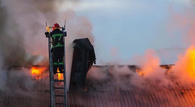 高层建筑起火扑救难题何解?