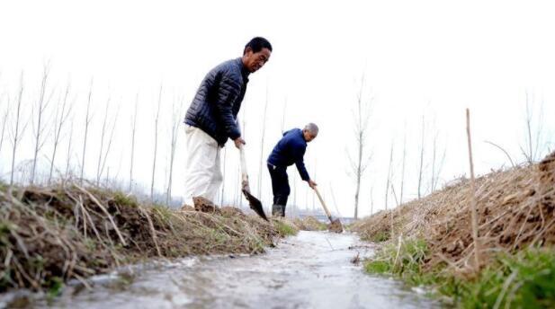 中国北方灌溉投资的变化趋势及村庄新增灌溉投资的影响因素