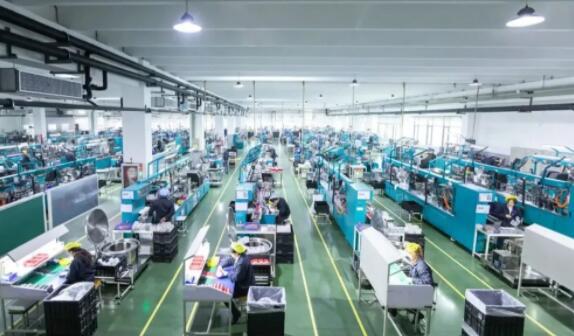揭秘苹果手机生意背后的中国工厂们