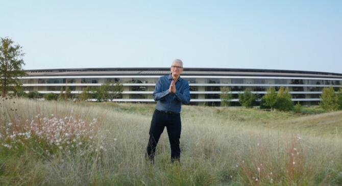 苹果炸场发布会总结:AirPods 3和MacBook Pro,M系列最高 32 核CPU抓人眼球