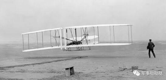 战机百年的机翼发展史:从平直翼到大边条,从离地飞行到突破音障