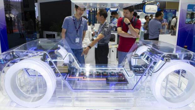 """""""芯片慌""""为何对汽车产业冲击如此严重?汽车缺芯的真相解析"""