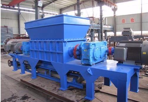 河南强力重工机械中大型散热器撕碎机,粉碎机,破碎机厂家