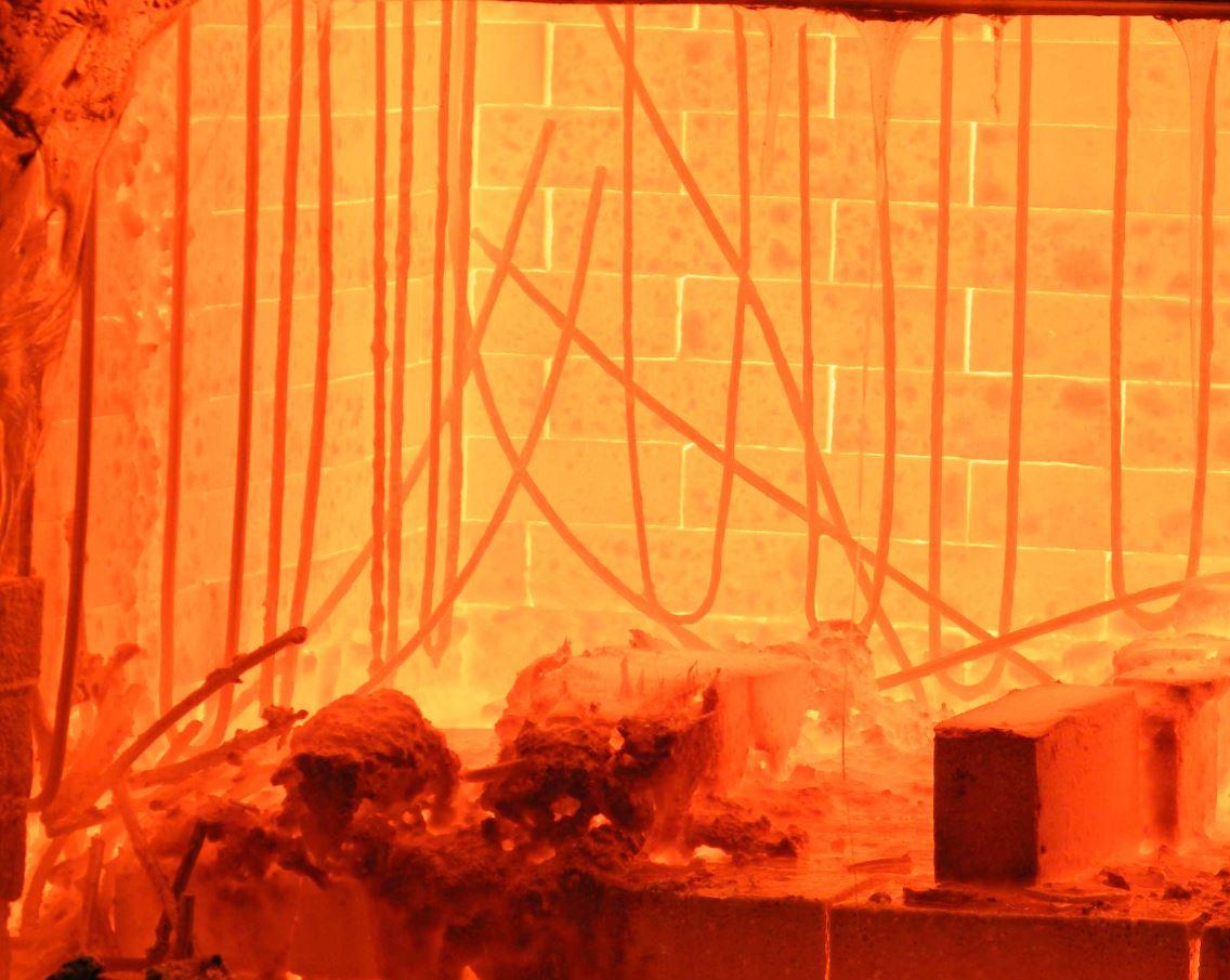 電坩堝爐玻璃熔制現場指導