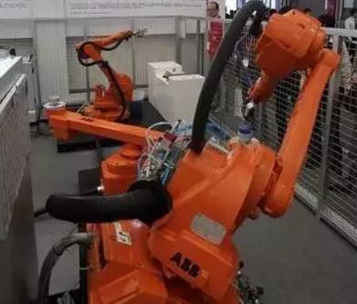 机器视觉图像采集卡在上下料机器人上的应用解析