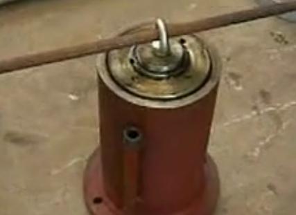 侧压缸密封件更换方法(含老结构)
